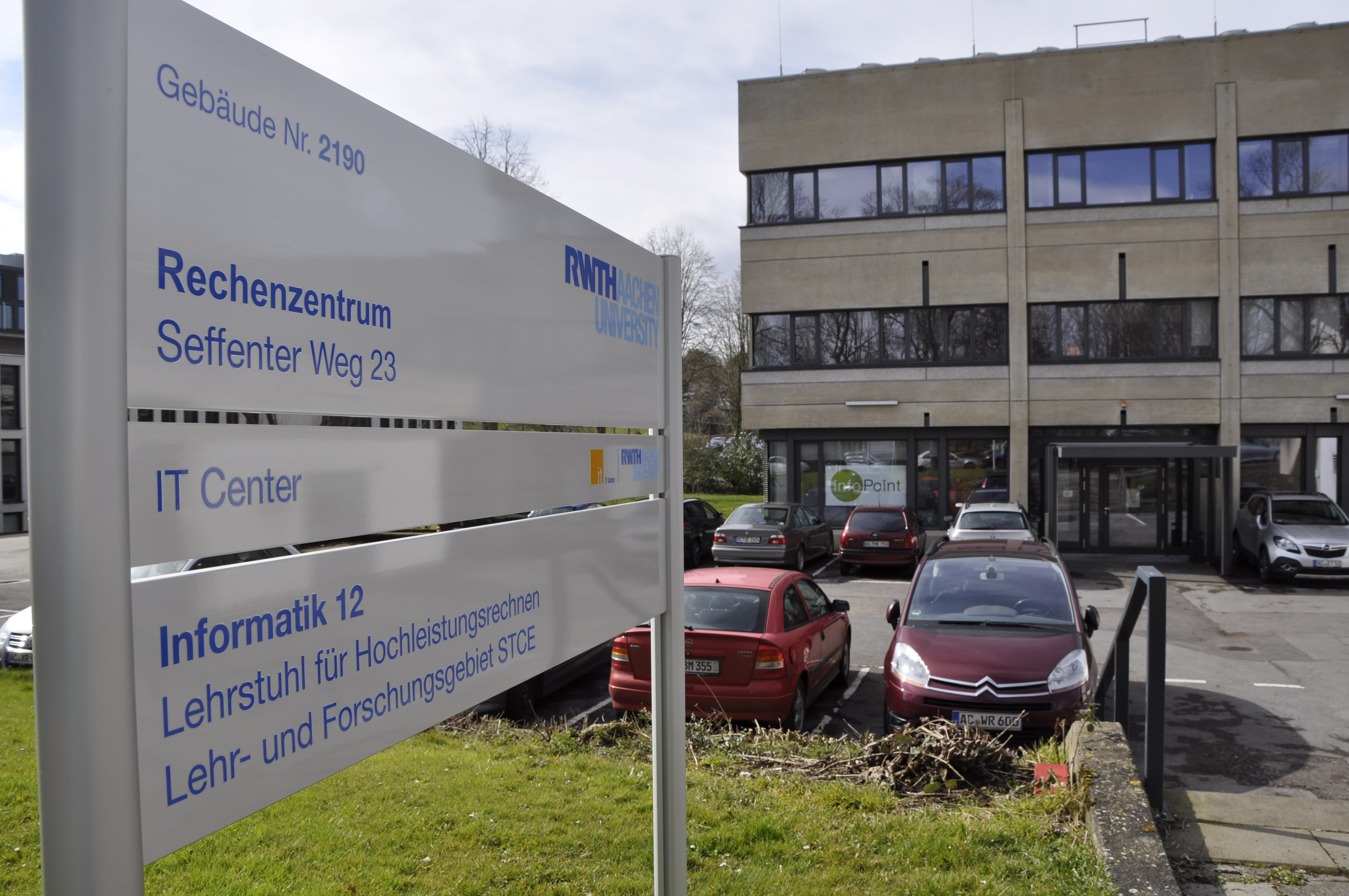 Frontansicht IT Center der RWTH Aachen