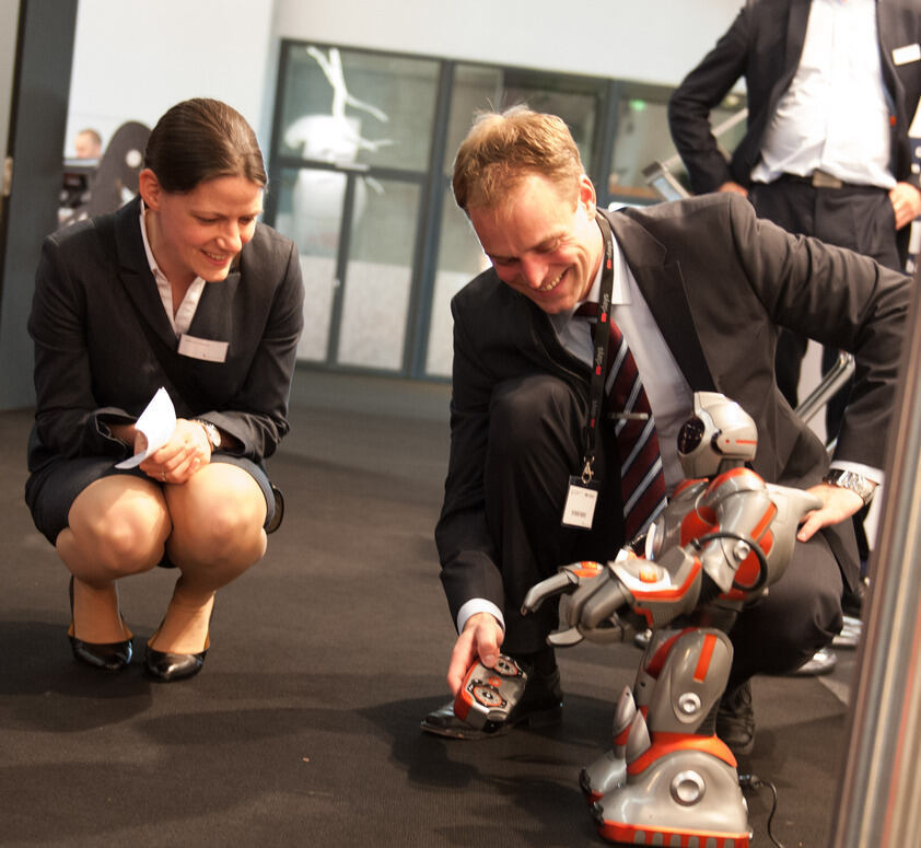 "Stephan Printz presented the humanoid robot ""RS-Media"" at the M-Days in Frankfurt."